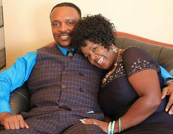 Bishop KIUNA and his wife exposed for preying on a newlywed couple – They gave them their wedding gifts madness