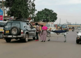 Drama As Dead Body On Hospital Bed is Dumped At The Center Of Kisumu~Kakamega Highway