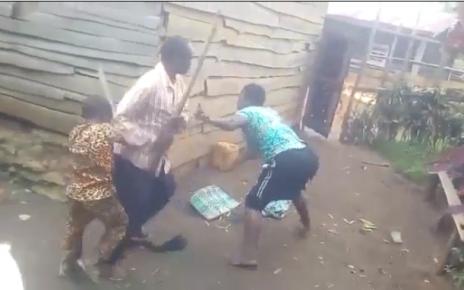 (VIDEO) Mother and kids beating their father,Kenyan men under siege (WATCH). Wadau ni kubaya.