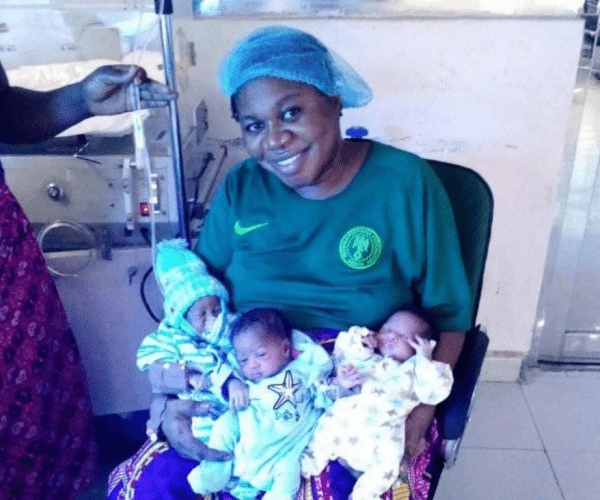 A woman gives birth to triplets after 9 years of ridicule and insults (PHOTOs).
