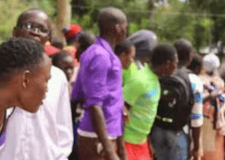 Kisumu Teacher Runs For His Life After He Was Caught red handed transferring money from The Principal's Office On Saturday.